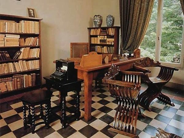 Visitare le case dei personaggi famosi viviconstile for Arredare lo studio di casa