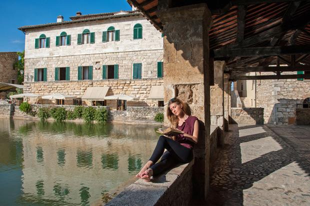 Terme e benessere in appennino da bagno di romagna a viterbo viviconstile - Il loggiato bagno vignoni ...