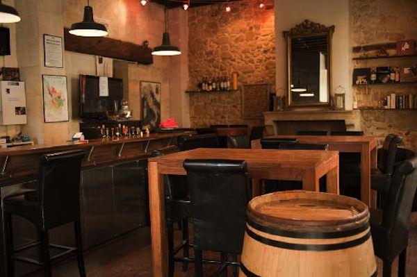 I migliori wine bar ed enoteche di bordeaux viviconstile for Arredamento enoteca